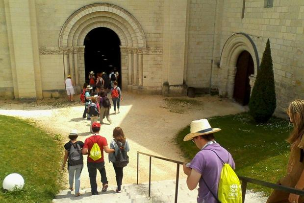 L'Arche à Grasse visite l'abbaye de Fontevraud