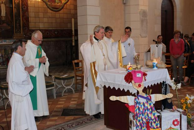 Messe célébrée par Mgr Benoit-Gonin
