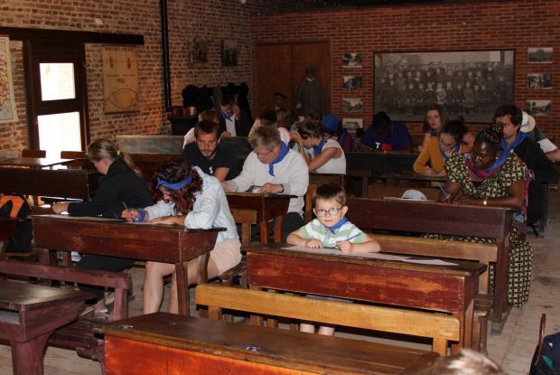 Retour sur les bancs de l'école (les vieux bancs....) au Musée agricole