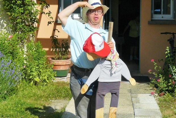 Eric accueille L'Arche à Grasse au foyer du Figuier