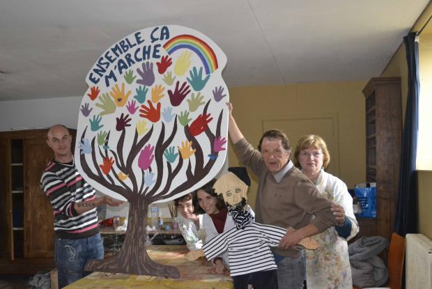 L'atelier Création va réveiller les couleurs de la salle communautaire du Caillou blanc !