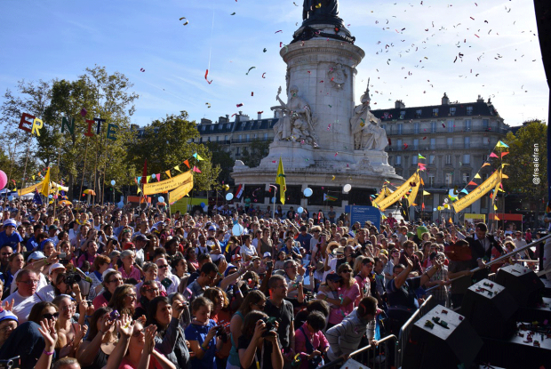 La foule sur la Place de la République
