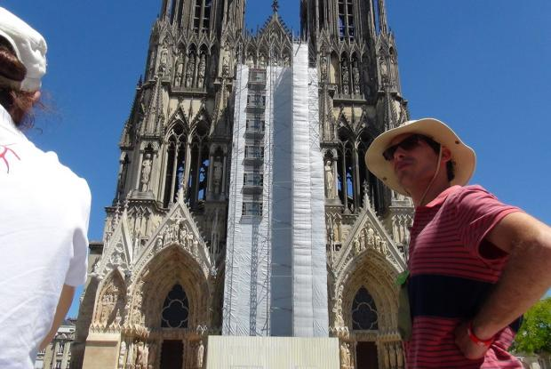 Visite de Reims _ La Cathédrale vue d'en dessous