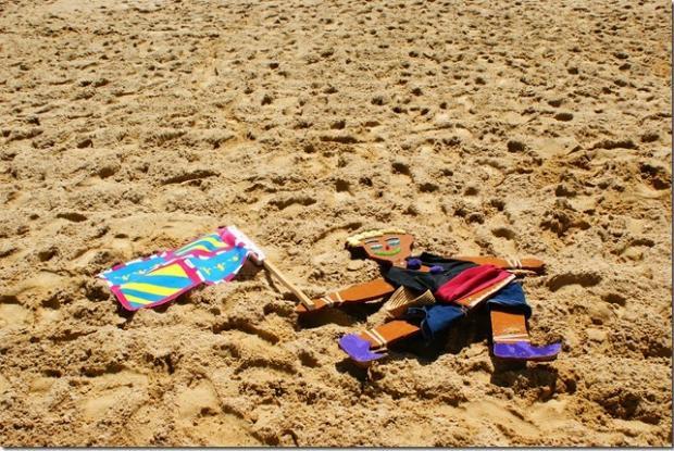 Archie profite aussi du soleil et de la plage.