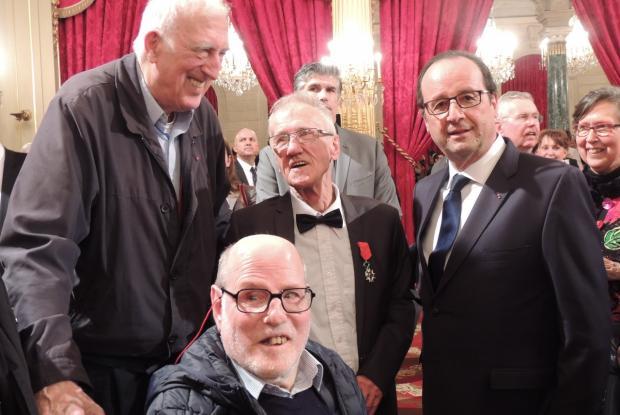 Jean Vanier, Jean-Pierre Crépieux, Philippe Seux et François Hollande