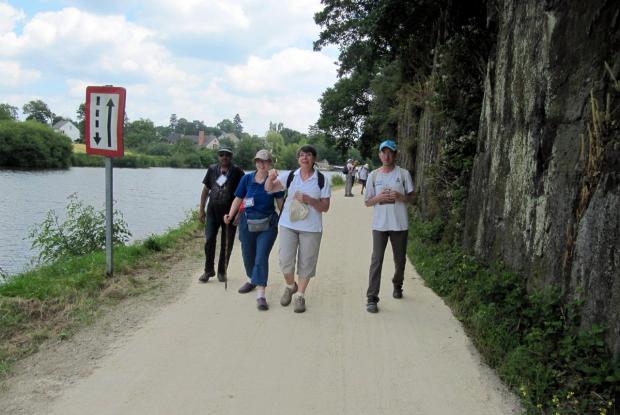 Marche le long du canal