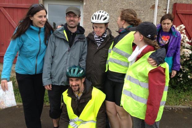 """Le groupe """"vélo"""" du Sénevé est parti le 24 mai."""